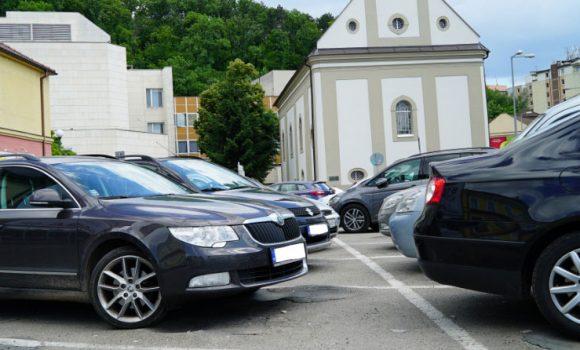 Dve parkoviská na súkromných pozemkoch naďalej spravuje TPS