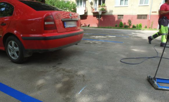 Značenie parkovacích miest v meste začalo