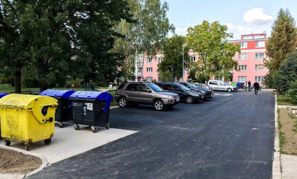 Parkovisko na Hodžovej je už hotové, má nový povrch
