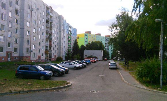 Upozornenie na obmedzenie parkovania na Kyjevskej ulici