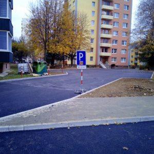 Na Inoveckej ulici pribudlo 41 parkovacích miest