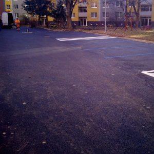 Parkoviská na Inoveckej ulici sú už vyznačené