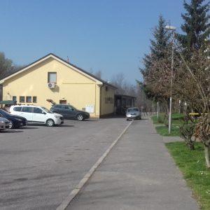 Rozšírením cesty sa zlepší vjazd aj priestor na parkovanie
