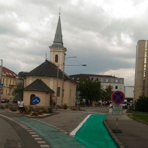 Ubudli štyri parkovacie miesta, pre cyklopruh