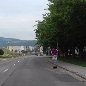 Parkovacie miesta na Považskej ulici ustúpia zástavke