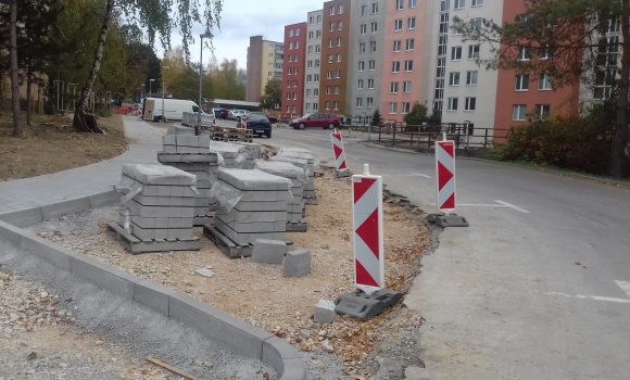 Na novom parkovisku sú kolmé parkovacie miesta