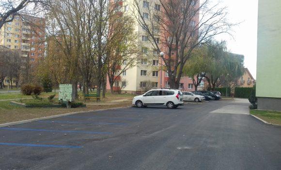 Dokončené je ďalšie parkovisko vmestskej časti Stred