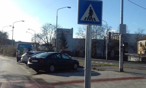 Nástupná avýstupná plocha neslúži na parkovanie