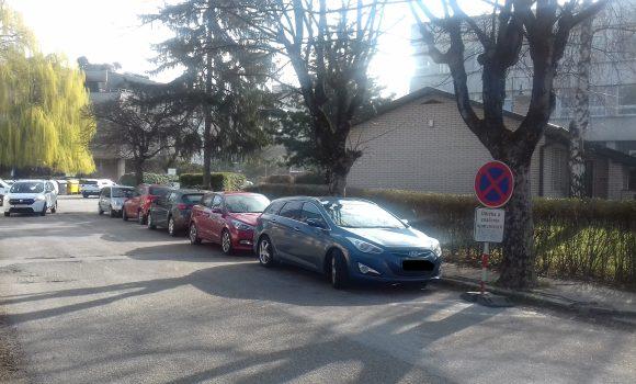 Vpondelok nezaparkujete na Jesenského ulici