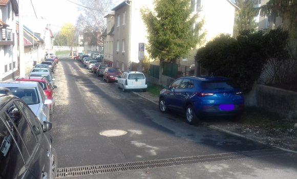V slepej uličke vyznačili parkovacie miesta