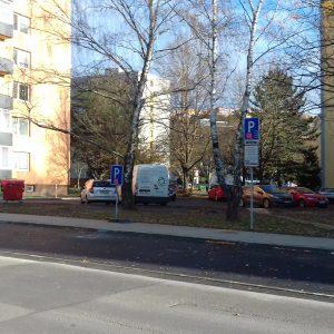 Zmena režimu na parkovisku na Inoveckej ulici 1 a 3