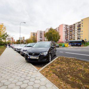 Regulácia parkovania na Juhu a Sihoti III a IV musí byť odložená