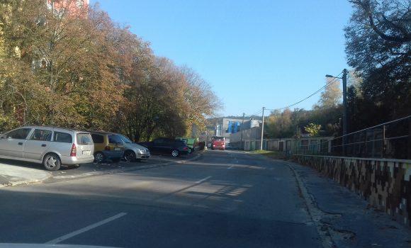 Parkovanie počas Dušičiek pri hlavnom cintoríne