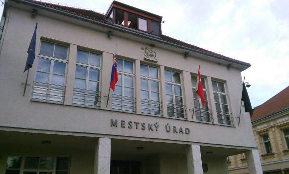 Trenčania strvalým pobytom iba Mesto Trenčín sú už rezidentmi.