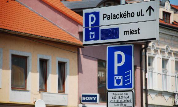 Dočasné obmedzenie parkovania na Palackého ulici