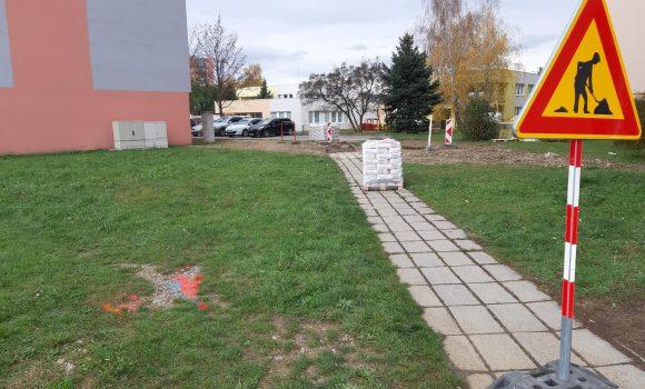 Nový výjazd aj nové parkovisko na Opatovskej ulici