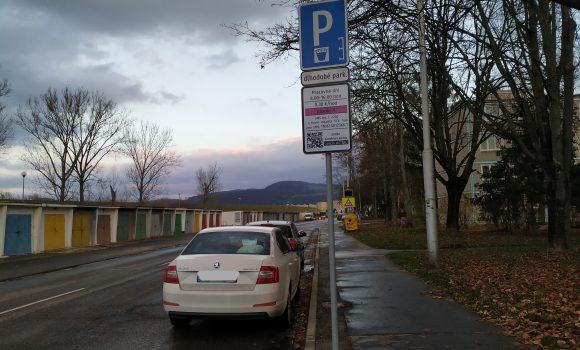 Na Považskej ulici je zmenený režim parkovania