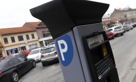 Dočasne nefunguje sms parking, predaj kariet pozastavený
