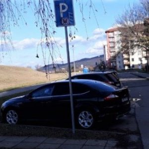 Od utorka 24. marca 2020 za parkovanie platiť nemusíte