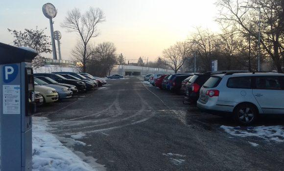 Cesty a chodníky v zime čistia podľa poradia dôležitosti
