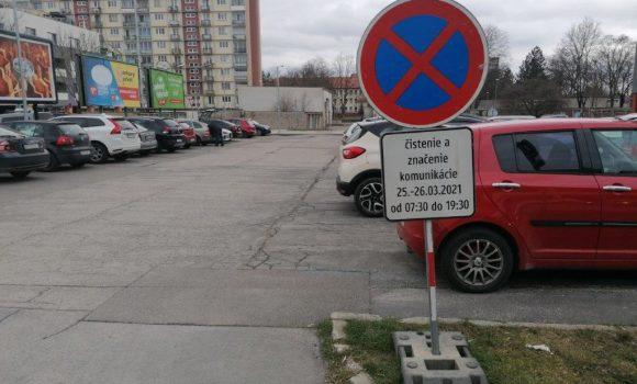 Začína obnova dopravného značenia a parkovacích miest