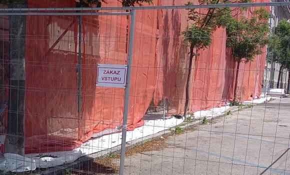 Na časti Súdnej ulice štyri mesiace nezaparkujete