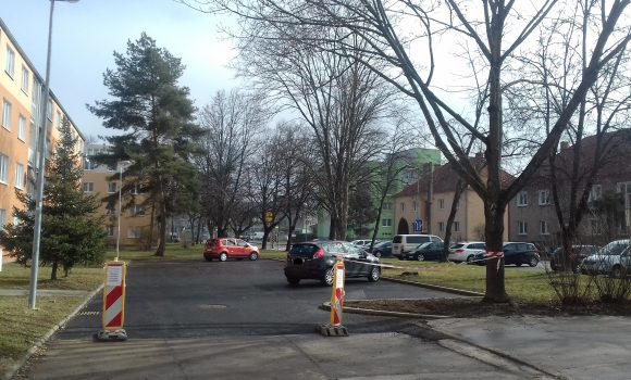 Nové parkoviská na ulici M. Turkovej sú dokončené