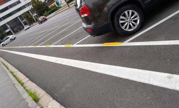 Dorazy na parkovisku budú žlte, kvôli bezpečnosti